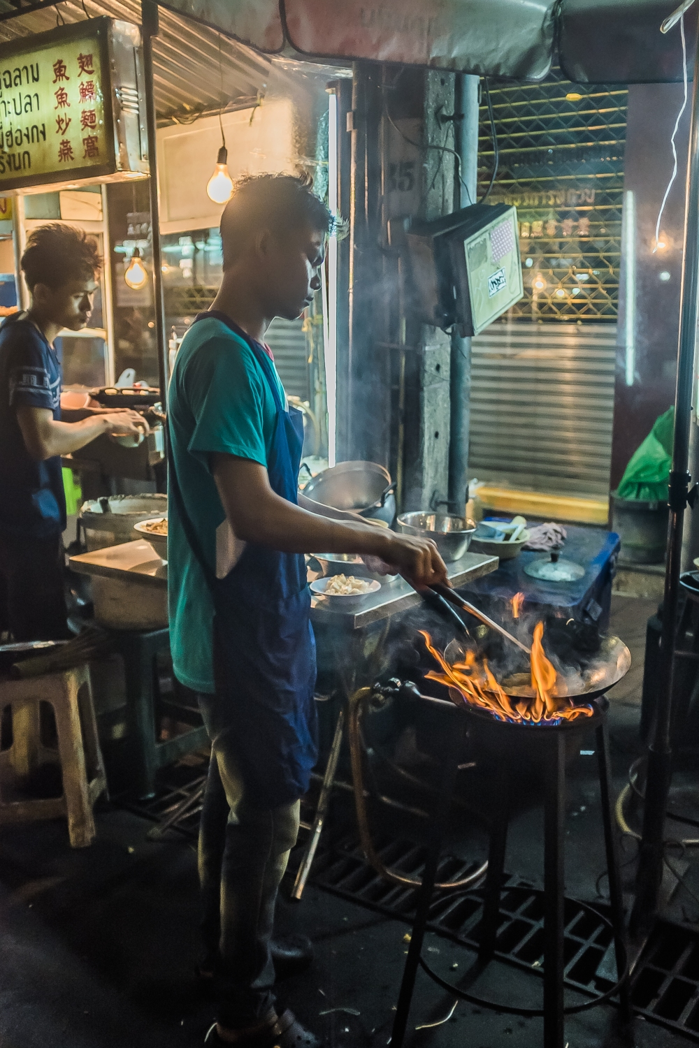 food street vendor thailand thai cuisine