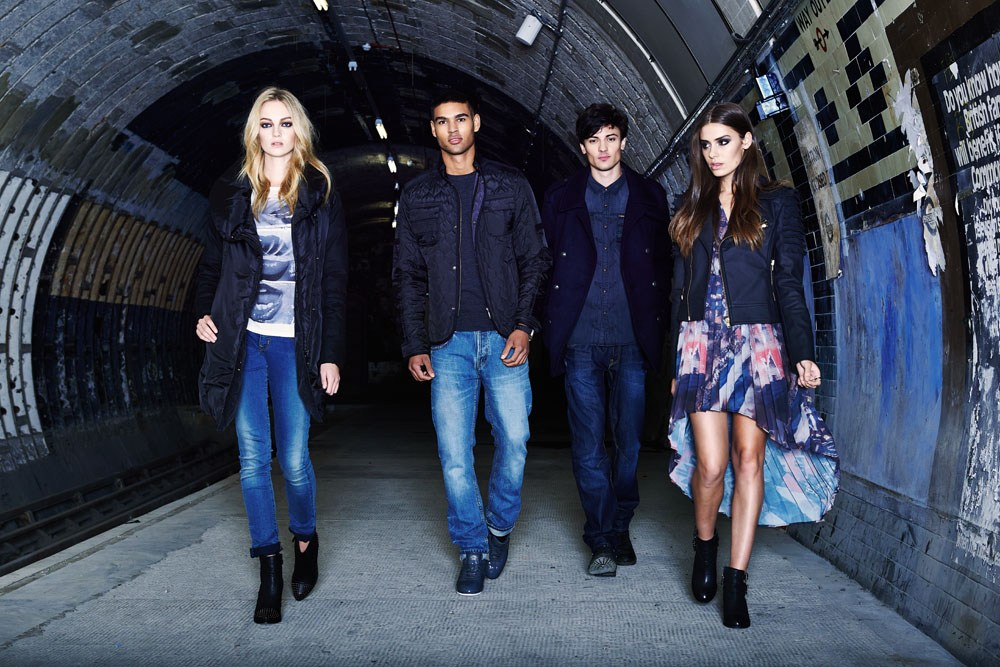 underground-tunnel-fashion--COMMERCIAL-PHOTOGRAPHER-UK-043