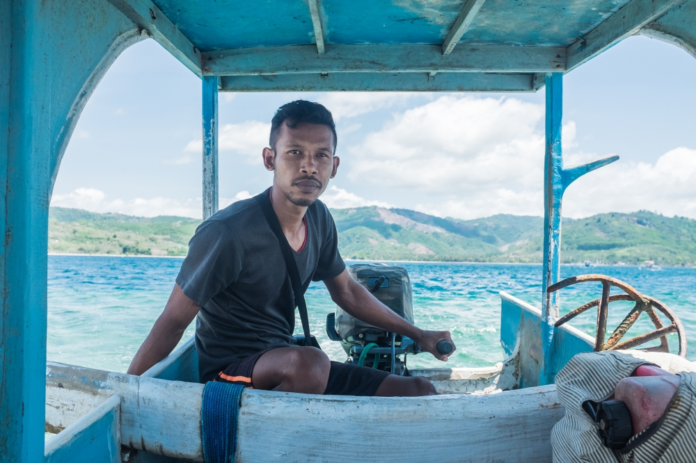 Boat_captain_lombok_gilligede_Travel_Photographer